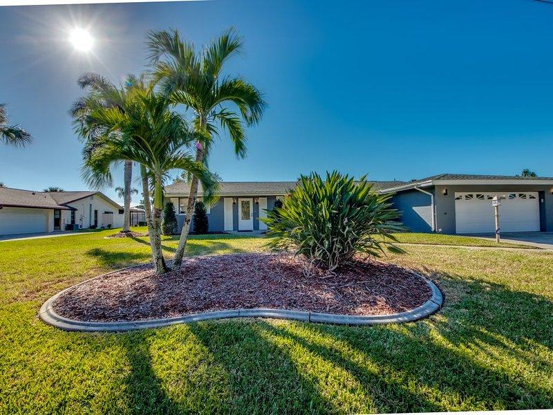 Traumhaus mit großem Pool auf wunderschönem Grundstück., holiday rental in North Fort Myers