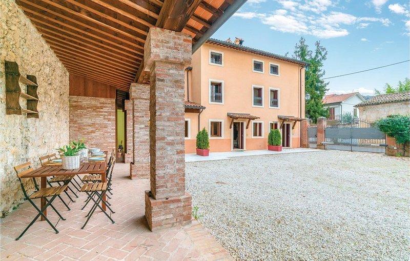 2 Zimmer Unterkunft in Castelgomberto VI, holiday rental in Zane