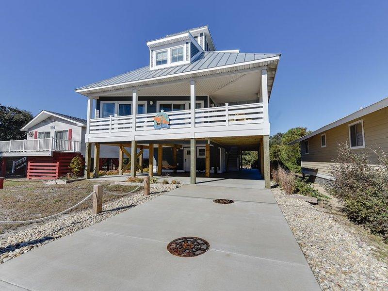 Elegant, Beach-Inspired OBX Getaway, holiday rental in Kill Devil Hills