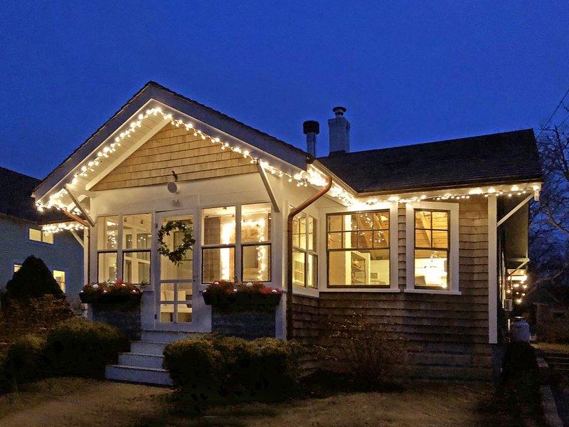 Not Your Great Aunt's Island Cottage, alquiler vacacional en Vineyard Haven