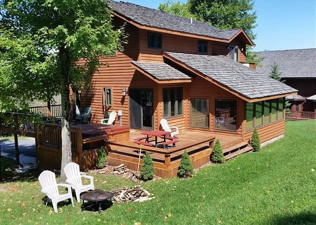 Lost River Lodge is a Fabulous Luxury Mountain Home!, holiday rental in Davis