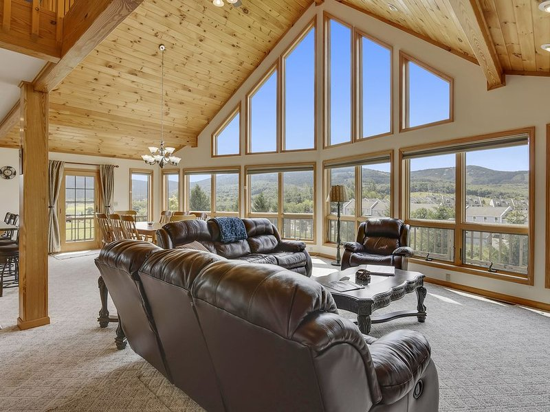Moosie Chalet- An Extraordinary Home for an Extraordinary Vacation!, holiday rental in Davis