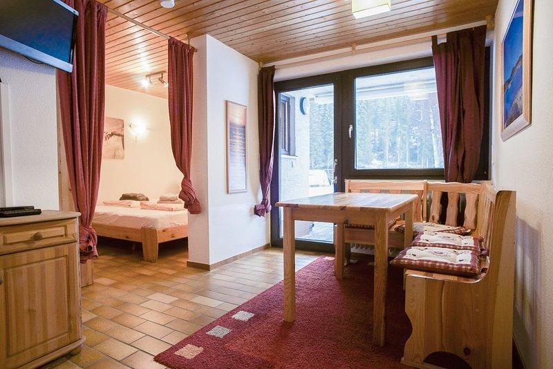 Ferienwohnung 3 Tanne, 43qm, 2 Schlafzimmer, max. 4 Personen, holiday rental in Sankt Blasien