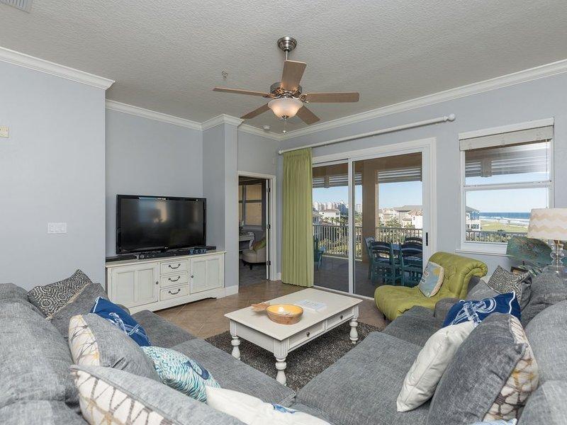 Newly remodeled Unit 355! 5th Floor Signature Ocean View Corner Beauty!!, location de vacances à Palm Coast