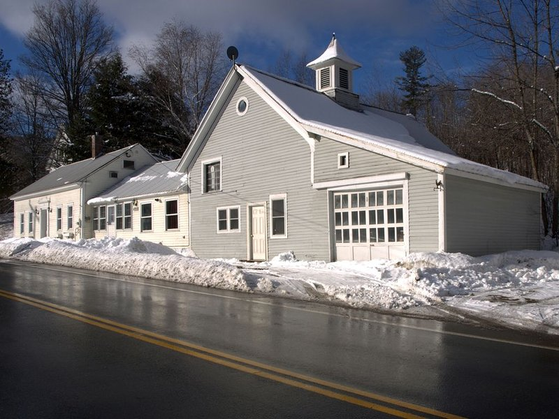 Ski Getaway at the 1797 Vermont Inn, holiday rental in Wardsboro
