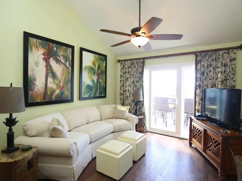 Ocean Front Atrium Villa 2930 -Vaulted Ceilings.  See Virtual Tour at Photo 25., vacation rental in Seabrook Island