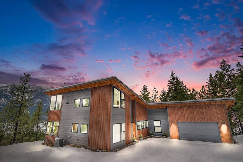 3rd NT FREE* Super Private Modern Home_Hot Tub_STUNNING Views_Cvd Patio, vacation rental in Ronald