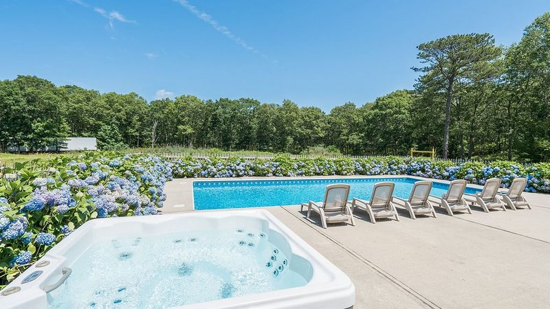 Amenities Galore: Southampton Home at the Edge of a 200-Acre Preserve, Huge..., Ferienwohnung in Southampton