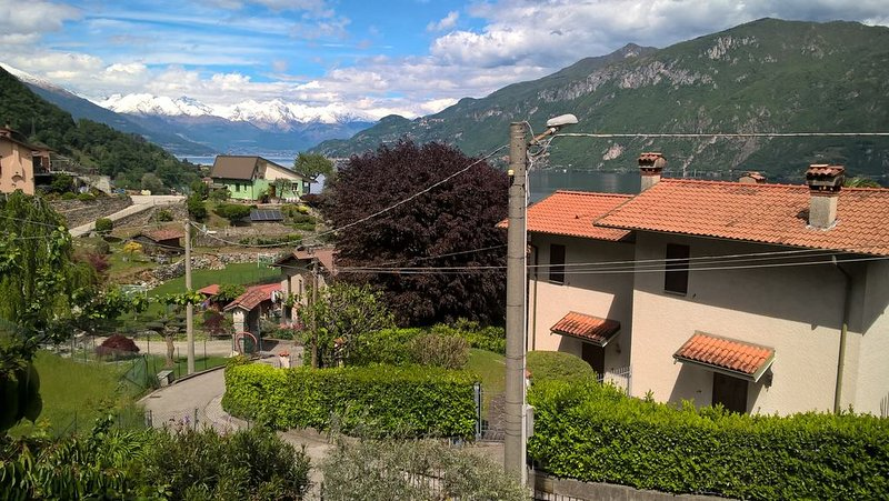 BaDe house  a 5 minuti da Bellagio e a 200m dal lago,in un Borgo antico del lago, holiday rental in Oliveto Lario