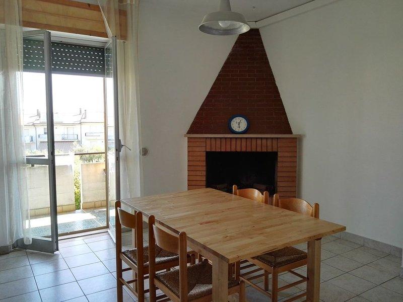 Appartamento in collina a 6 Km dal mare, vacation rental in Petacciato