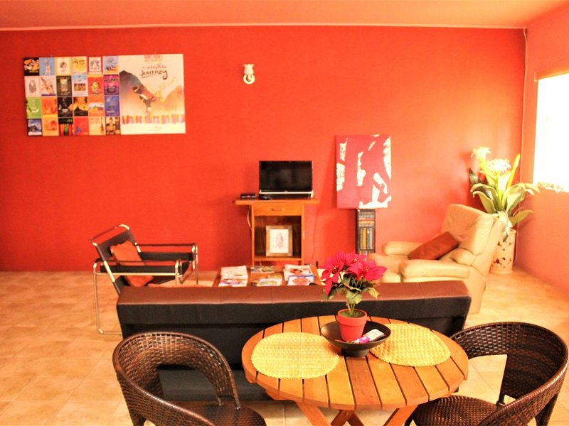 Funky & Spacious St. Lucian Studio, holiday rental in Gros Islet