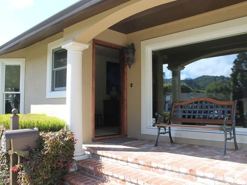 COZY SYCAMORE AVE HOUSE FOR FAMILIES AND GROUPS, vacation rental in Sausalito