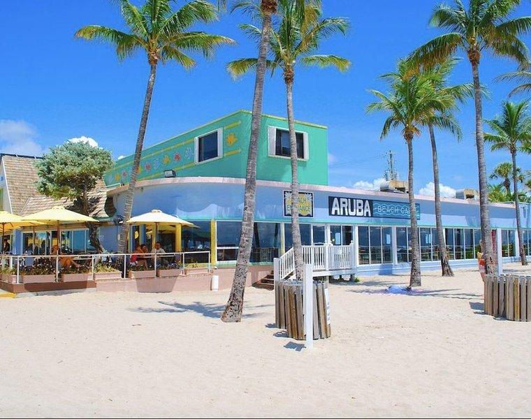 LAUDERDALE GEM, ANTIVIRUS, ANTI BACTERIA AIR SYSTEM, HEATED POOL, WALK TO BEACH, holiday rental in Lauderdale-By-The-Sea