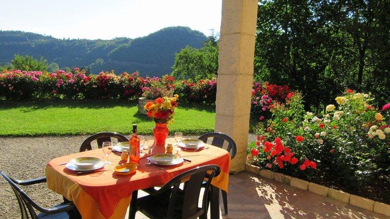 Au coeur des cevennes : sejour au calme dans un cadre de verdure et de detente, aluguéis de temporada em Alzon