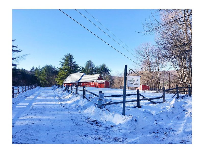 Classic Vermont farm property on 160 acres with breathtaking views and property, alquiler vacacional en Barnard