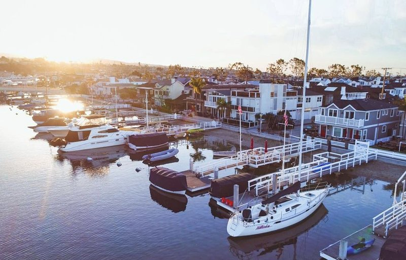 Balboa Island Bayfront Beach House with Private Dock  !!!, vacation rental in Newport Beach
