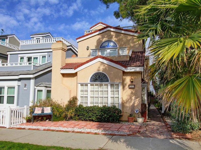 'California Dreaming'2Rooftop Decks-OceanViews�Staycation/Work*HomeBeachGetaway, vacation rental in Seal Beach