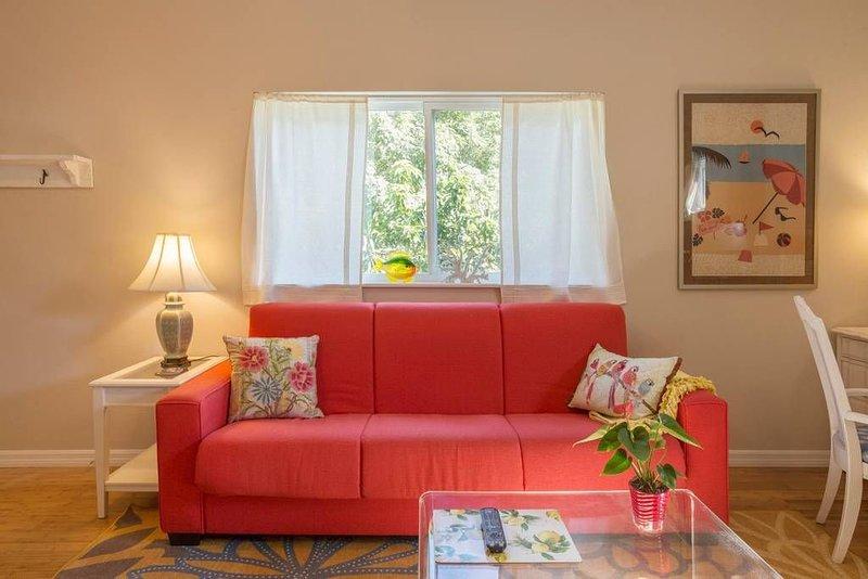 5 Star private loft guesthouse near Gulfport beach, alquiler vacacional en Gulfport