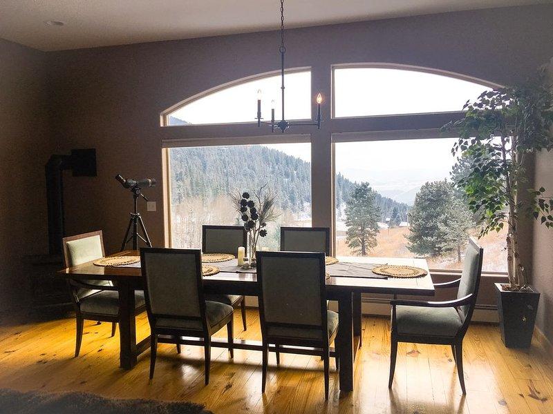 Gorgeous 4BD Luxury Mountain Retreat, aluguéis de temporada em Black Hawk