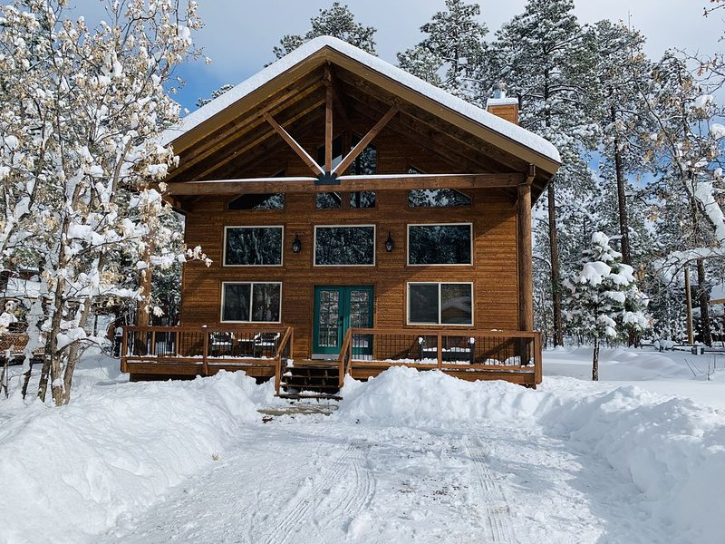 Beautiful Newely Built Cabin with Eligant but Cozy finishes, holiday rental in Apache County