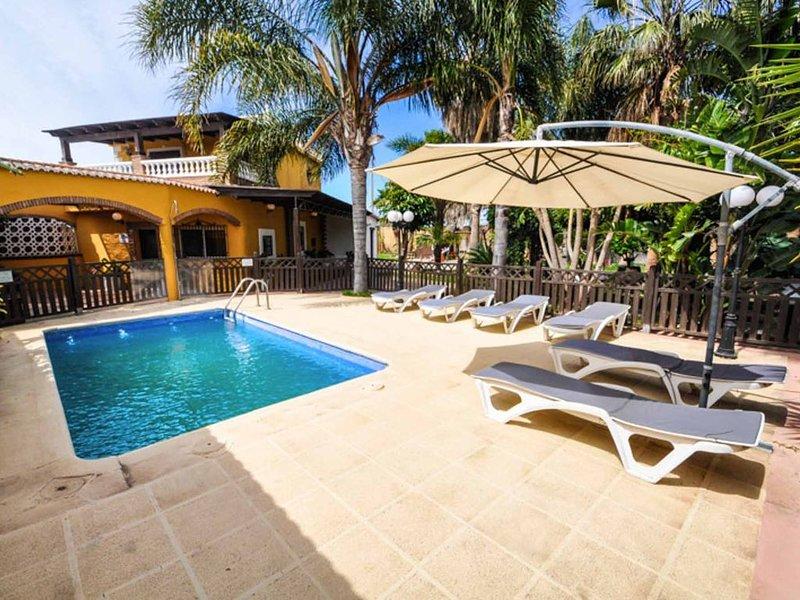 Magnífica villa con piscina, zoo, zona exterior 2000m2. Todo privado, alquiler de vacaciones en Gualchos