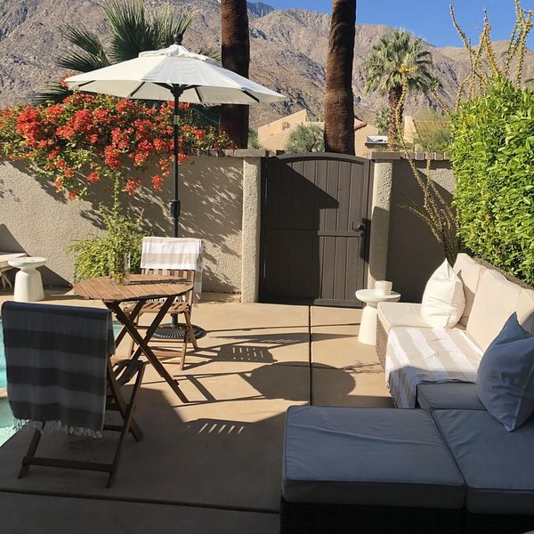 Utomhus lounge utrymme, flexibla modulära möbler