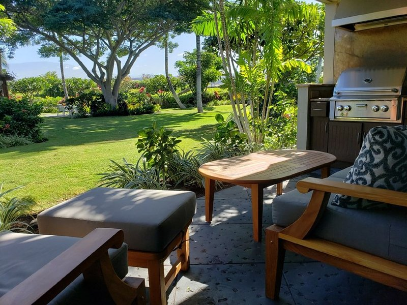 Two Story Villa, private and pool side!, alquiler de vacaciones en Waikoloa