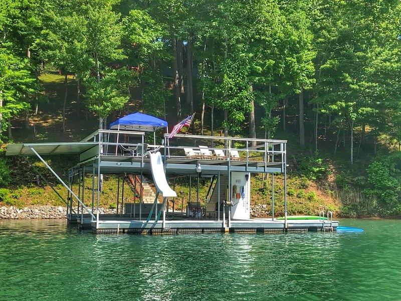 'Bent-Ski...Hideaway' Double Decker Dock w/Slide, Fire Pit, Screened Lanai, location de vacances à Jacksboro
