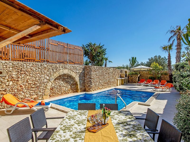 Ta Guza Holiday Home, vacation rental in Xaghra
