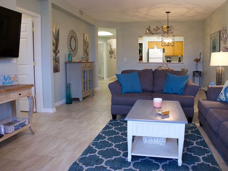 Beautiful, affordable condo at one of BEST BEACHES in USA, close to everything! – semesterbostad i Saint Augustine