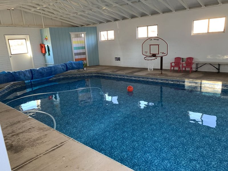 Private indoor Pool! Zion, Tuachan, biking, golf, sunshine, and more!, vacation rental in Santa Clara