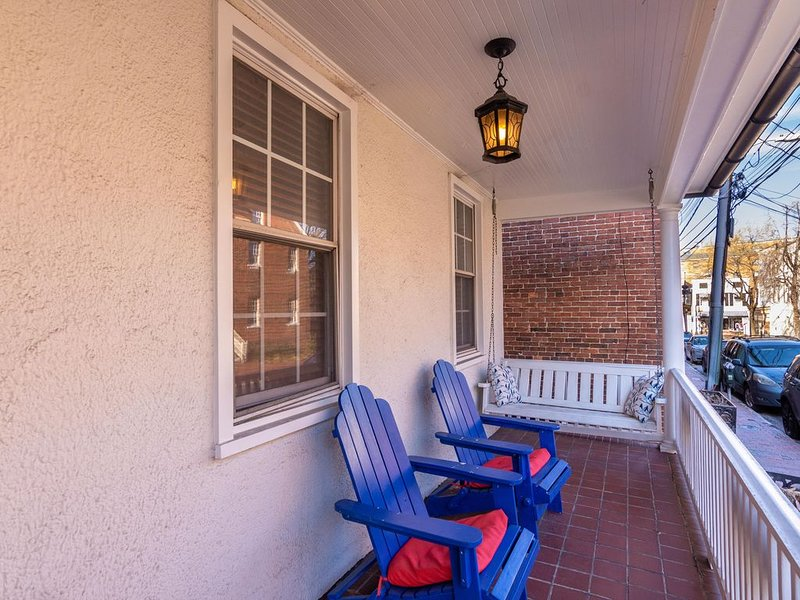 Location Location Location!!!50 Steps from Main Street and all of the action, vacation rental in Annapolis