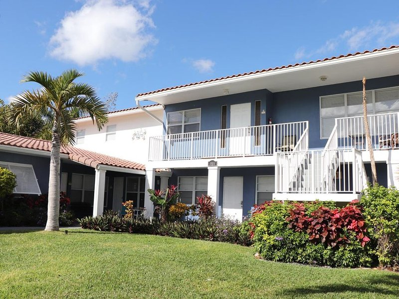 By The Beach And Intracoastal, holiday rental in Deerfield Beach