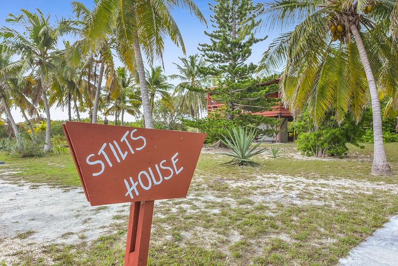 Cozy Stilt's House with Huge Yard, vacation rental in George Town