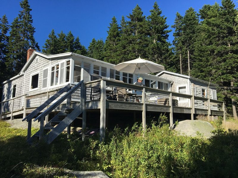 Oceanfront Cottage in Downeast Maine with solar power:  'Two Jetties' Cottage, holiday rental in Milbridge