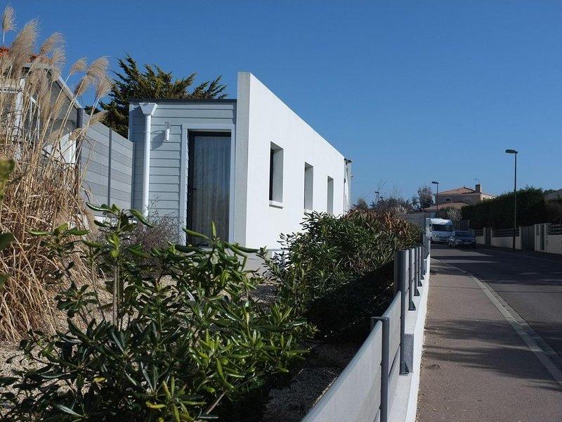 Maison moderne 90 m2 plain-pied, 5 min plage et thalasso. Wifi. Clim. Jaccuzi, vacation rental in Chateau-d'Olonne