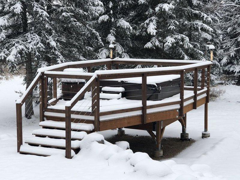 Gateway to Glacier National Park and Whitefish Ski resort, aluguéis de temporada em Creston