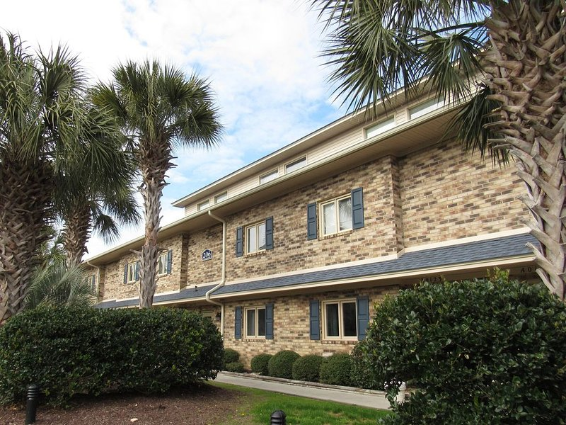 Beach Get-A-Way Located In Heart Of Surfside Beach, holiday rental in Socastee