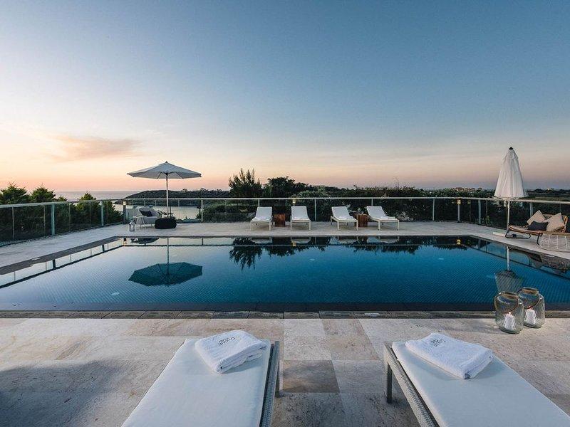 Divine Sea View Villas, holiday rental in Tersanas