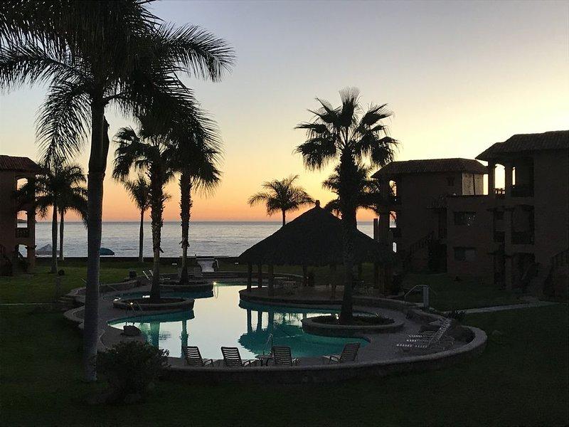 3 Bedroom 2 Bath Beach Front Condo Bahia Delfin San Carlos, casa vacanza a San Carlos