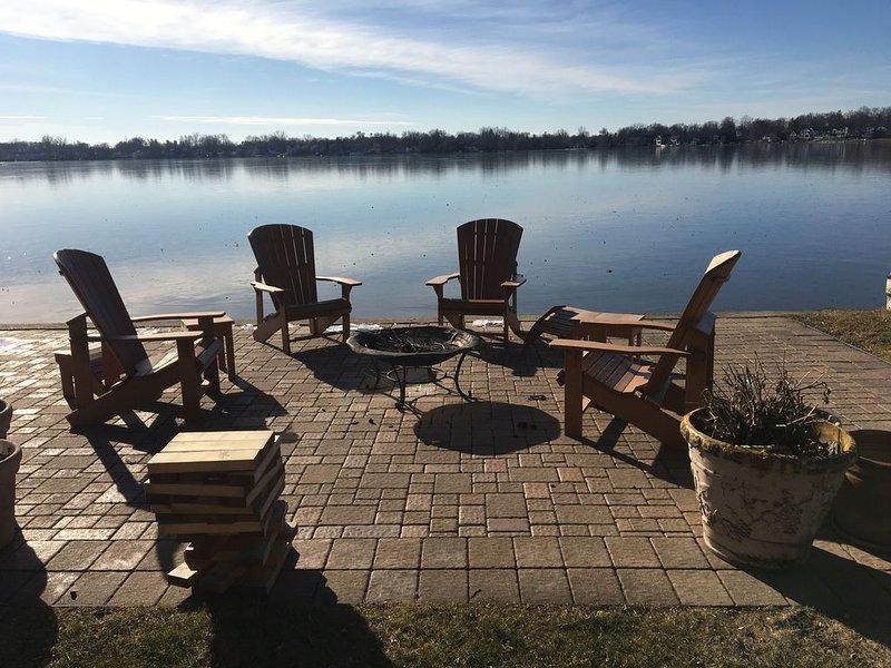 LAKE FRONT HOME - Great Boating, fishing & swimming!, aluguéis de temporada em Ingham County