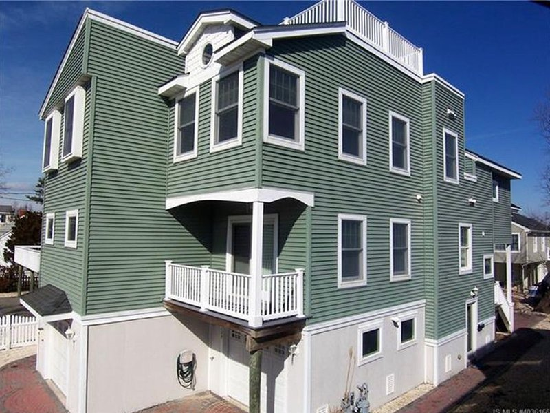 NEW LISTING!!! GREAT LOCATION- North Beach Haven, vacation rental in Beach Haven