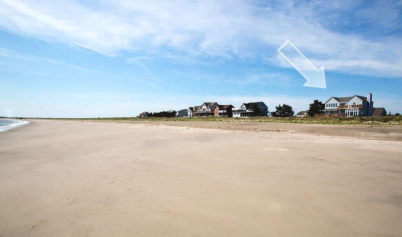 Beautiful views & beach. Enhanced disinfecting sanitizing professional cleaning., location de vacances à Milton