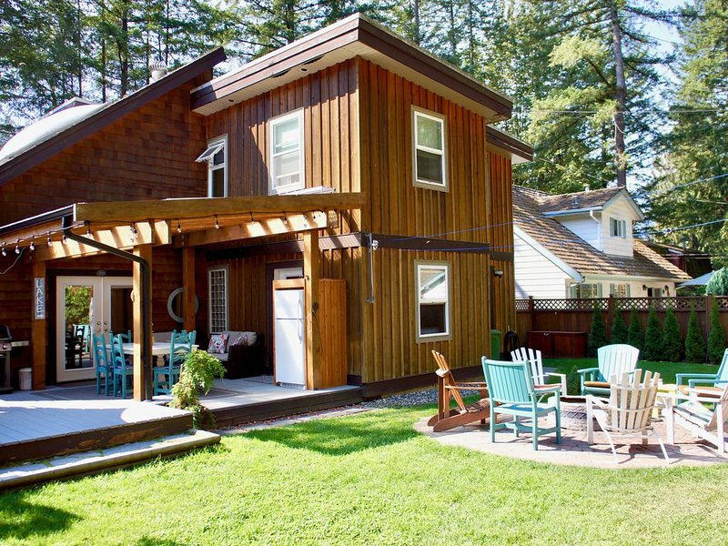Cultus lake - Sleeps 12 - Special rates for March and April 2017, holiday rental in Harrison Hot Springs