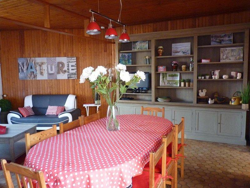 VILLA SPACIEUSE *** CAPACITÉ  13 PERSONNES   CENTRE VILLE, vacation rental in La Tranche sur Mer