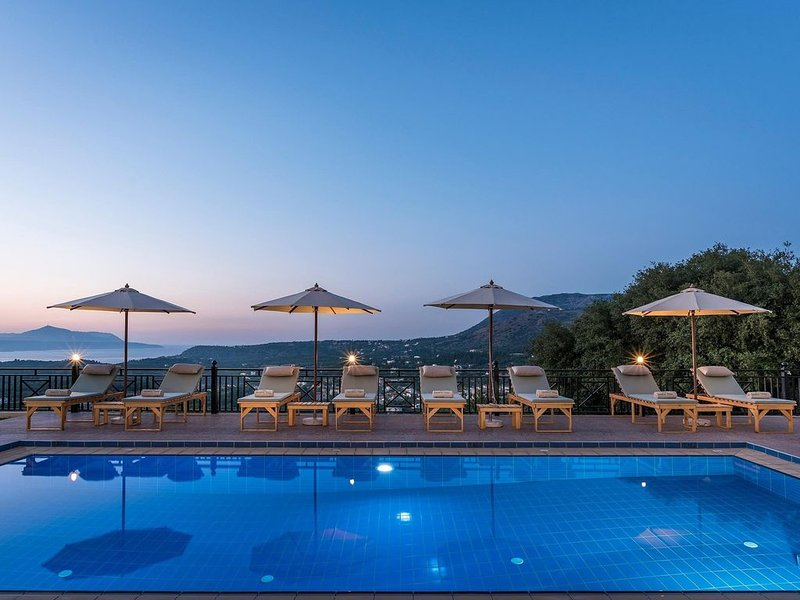 Erato Luxury Residence, private pool, BBQ, nea..., vacation rental in Gavalohori