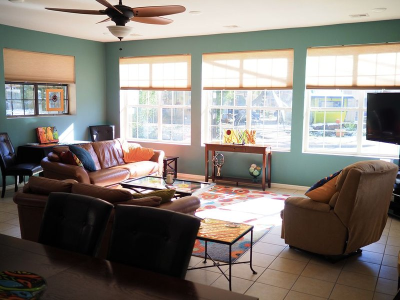A Touch of Glass (Guest House), holiday rental in Eureka Springs