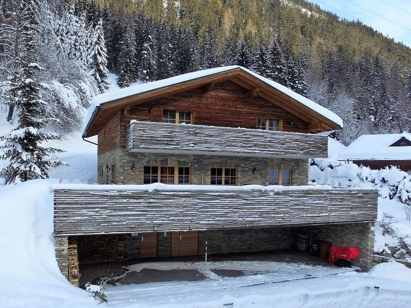 Posh Mansion in Sankt with 2 Saunas, Whirlpool & Jacuzzi, vacation rental in St. Christoph am Arlberg
