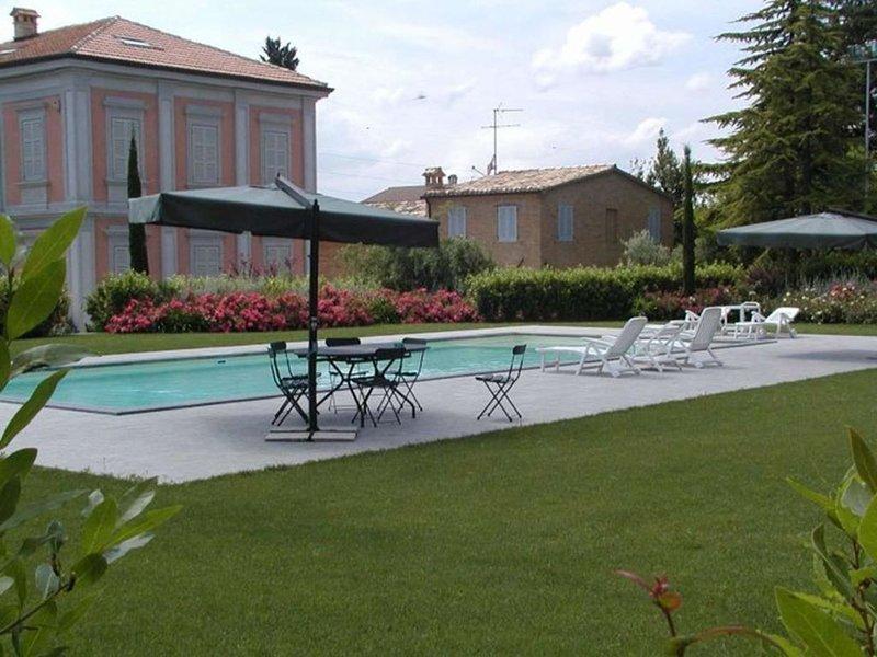 VILLA MAGAZZINI - BORGO SORBATTI, vacation rental in Loro Piceno