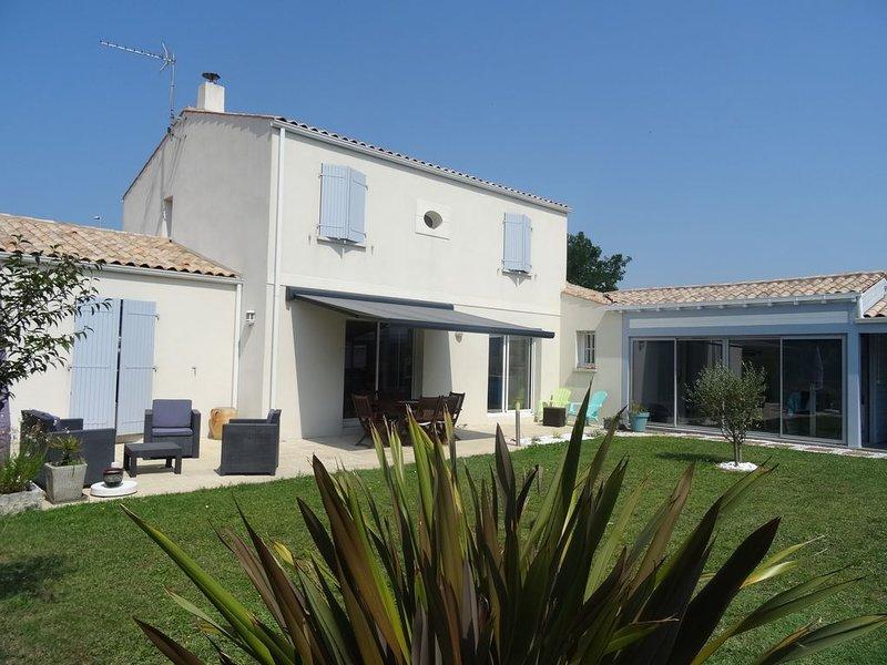 AGREABLE MAISON,  avec  piscine, calme, proche La Rochelle et Ile de Ré, vacation rental in La Rochelle